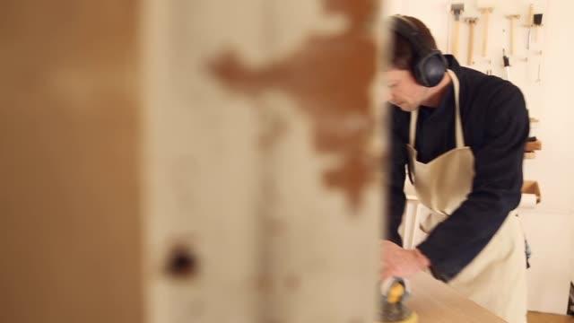 stockvideo's en b-roll-footage met furniture_clip24 - schort