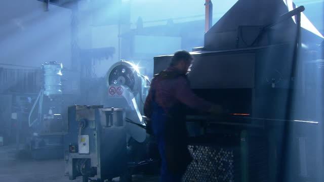 further processing of steel - artigianato video stock e b–roll