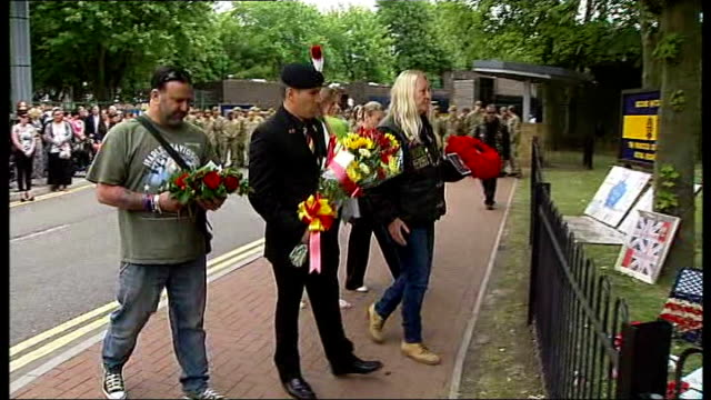 funeral held england london woolwich royal artillery barracks ext various gvs bikers riding past woolwich barracks in tribute to fusilier lee rigby... - ウールウィッチ点の映像素材/bロール