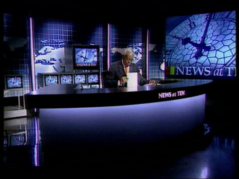future of 'news at ten' itn lib trevor mcdonald at desk to present news at ten - itv news at ten stock videos & royalty-free footage