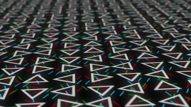 vídeos de stock, filmes e b-roll de a tecnologia digital futurista triângulos blockchain fundo rgb - triângulo formato bidimensional