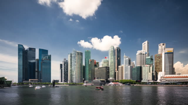 t/l ws futuristic skyscrapers in singapore / singapore - 鎖定觀看位置 個影片檔及 b 捲影像