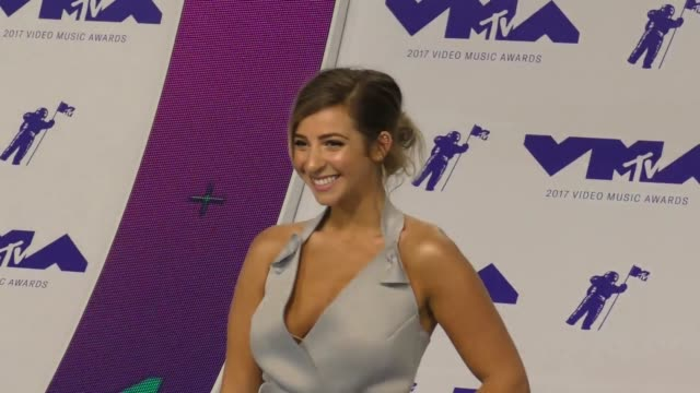 gabbie hanna at the 2017 mtv video music awards at the forum on august 27 2017 in inglewood california - inglewood video stock e b–roll