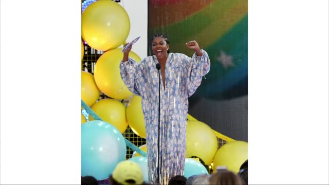 stockvideo's en b-roll-footage met gabrielle union accepts choice action tv actress for 'l.a.'s finest' onstage during fox's teen choice awards 2019 on august 11, 2019 in hermosa... - teen choice awards