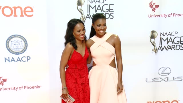 stockvideo's en b-roll-footage met gabrielle union and kerry washington at the 46th annual naacp image awards arrivals at pasadena civic auditorium on february 06 2015 in pasadena... - pasadena civic auditorium