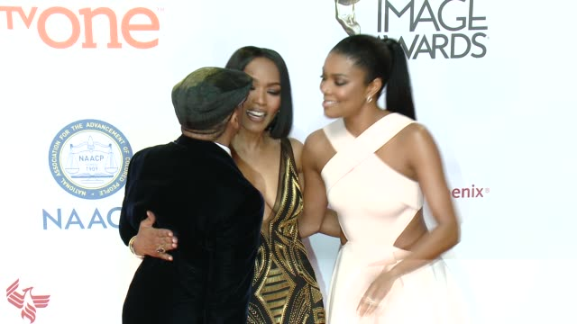 stockvideo's en b-roll-footage met gabrielle union spike lee and angela bassett at the 46th annual naacp image awards arrivals at pasadena civic auditorium on february 06 2015 in... - pasadena civic auditorium