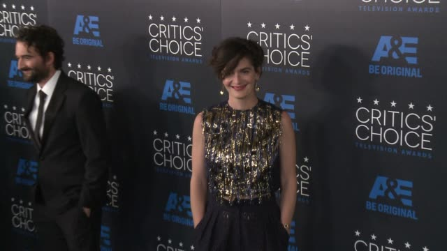 gaby hoffmann at the 2015 critics' choice television awards at the beverly hilton hotel on may 31, 2015 in beverly hills, california. - 放送テレビ批評家協会賞点の映像素材/bロール