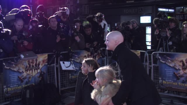 stockvideo's en b-roll-footage met gail porter at the bedtime stories premiere at london - gail porter