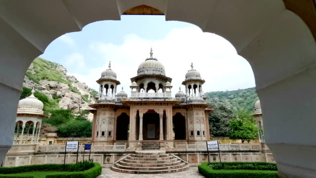 gaitore ki chhatriyan in jaipur, india - temple building stock videos & royalty-free footage