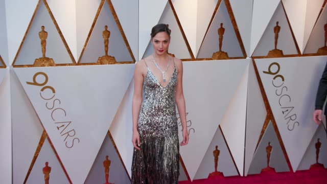 gal gadot at the 90th academy awards arrivals at dolby theatre on march 04 2018 in hollywood california - 90th annual academy awards stock videos & royalty-free footage