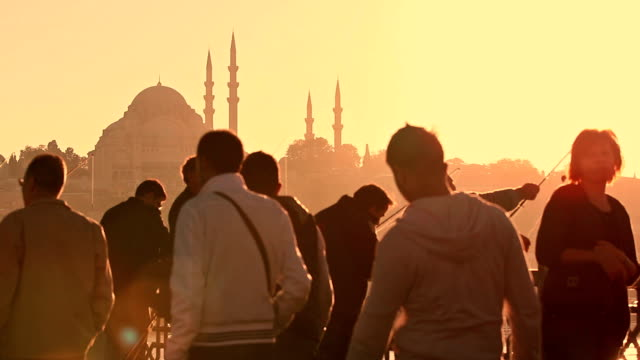 stockvideo's en b-roll-footage met hd: galata bridge - istanboel