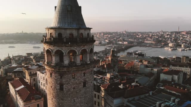 galata istanbul drone - turchia video stock e b–roll