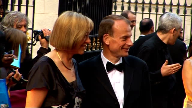 galaxy british book awards 2009 george osborne mp and wife posing for photographs ian hislop arriving and signing autographs andrew marr and guest... - signierstunde stock-videos und b-roll-filmmaterial