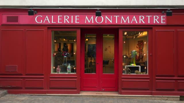 vídeos y material grabado en eventos de stock de galerie montmartre, place du tertre, montmartre, paris, france, europe - cultura francesa