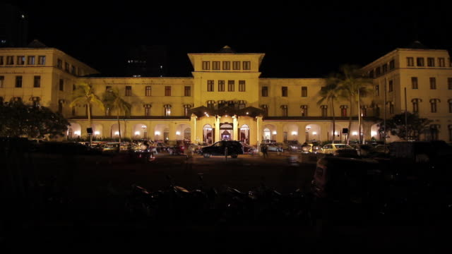 ms t/l galle face hotel at night / colombo, western province, sri lanka - glamour stock videos & royalty-free footage