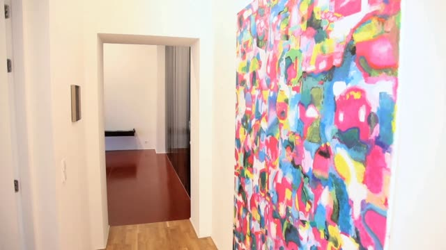 gallerist jan wentrup and his wife tina show us around the wentrup gallery in berlin and let us know why they could not live without art wentrup... - literatur stock-videos und b-roll-filmmaterial