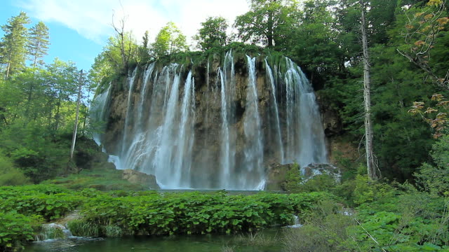 galova_ki buk in plitvice lakes national park, croatia - schwanken stock-videos und b-roll-filmmaterial