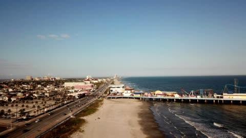 vidéos et rushes de galveston beach boardwalk - région de la côte du golfe