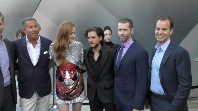 stockvideo's en b-roll-footage met 'game of thrones' cast at the 'game of thrones' season 7 premiere at walt disney concert hall on july 12 2017 in los angeles california - ensemble lid