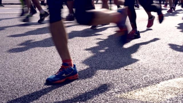 game on! - marathon stock-videos und b-roll-filmmaterial