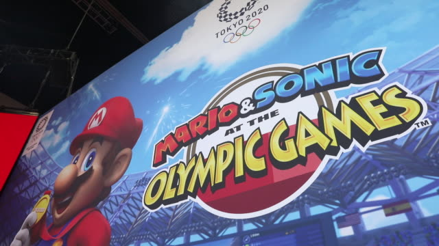gamers at premiere of mario sonic at the olympic games at e3 electronic entertainment expo los angeles california us on wednesday june 12 2019 - gamepad stock videos & royalty-free footage