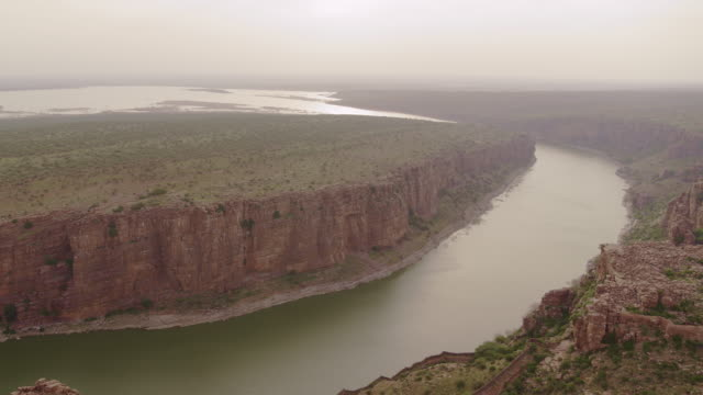 gandikota near kurnool sandstone canyon and river 4k - hill stock videos & royalty-free footage