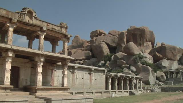 stockvideo's en b-roll-footage met ms, pan, ganesha temple, hampi, karnataka, india - waaierpalm