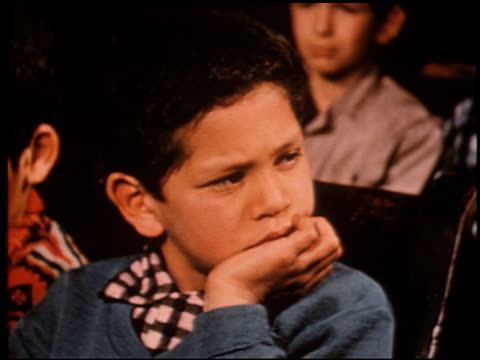 gang boy - 11 of 25 - この撮影のクリップをもっと見る 2340点の映像素材/bロール