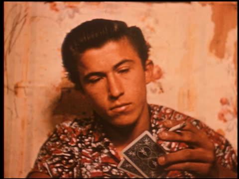 gang boy - 12 of 25 - この撮影のクリップをもっと見る 2340点の映像素材/bロール