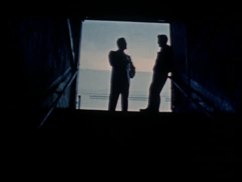gang boy - 23 of 25 - この撮影のクリップをもっと見る 2340点の映像素材/bロール