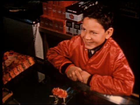 gang boy - 6 of 25 - この撮影のクリップをもっと見る 2340点の映像素材/bロール