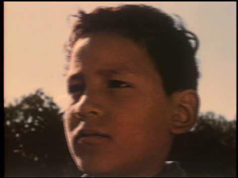 gang boy - 8 of 25 - この撮影のクリップをもっと見る 2340点の映像素材/bロール
