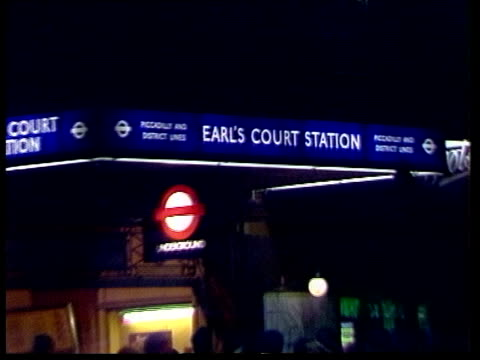 Gang leader Richardson recaptured ENGLAND Martin Lloyd and WPC Gwen Underwood London CMS 'Earls Court Station' PULL OUT MS Traffic RL MS JOHN MAILE...