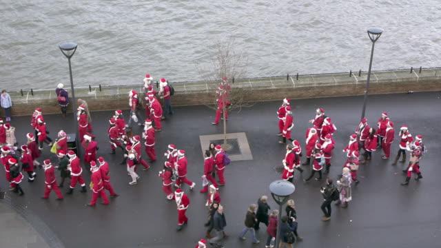 A Gang of Santas
