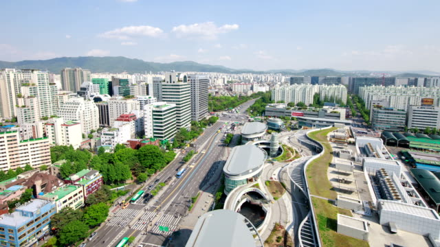 garak market (agricultural products market) and city buildings in songpa-gu, seoul - cityscape stock videos & royalty-free footage