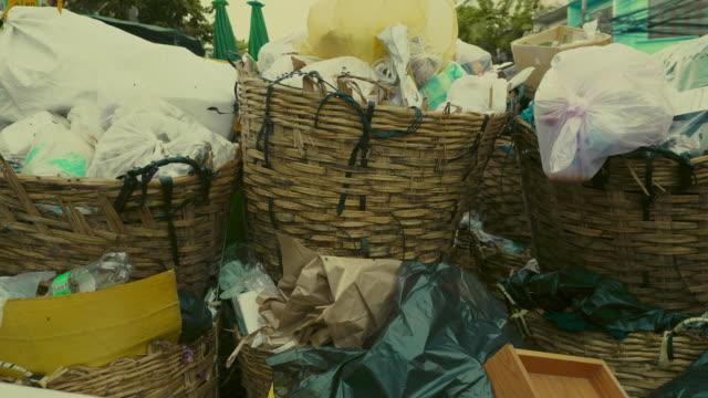 ゴミ危機 - ゴミ袋点の映像素材/bロール