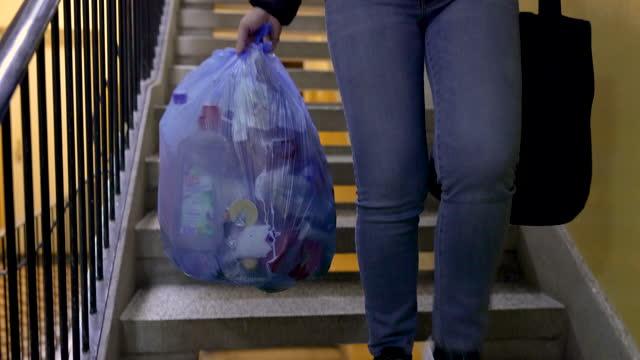 ゴミ処理 - ゴミ袋点の映像素材/bロール