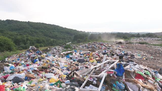 ゴミ捨て場 - ゴミ袋点の映像素材/bロール