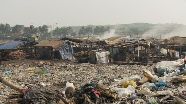 Garbage in Manila slum
