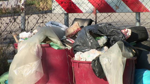 hd :ゴミ - いっぱいになる点の映像素材/bロール