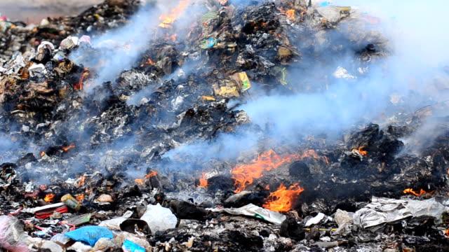 ゴミ - ゴミ捨て場点の映像素材/bロール