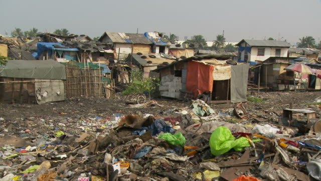 Garbage waste in Manila slum