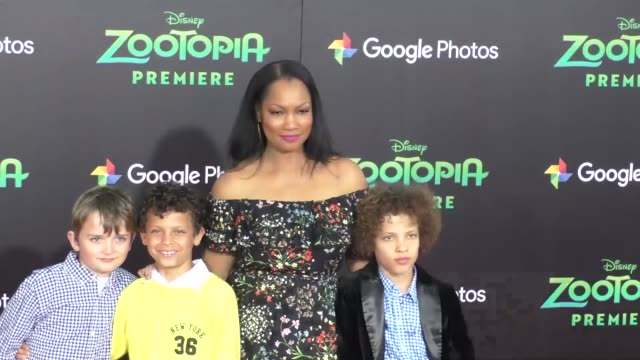 vidéos et rushes de garcelle beauvais at the zootopia premiere at el capitan theatre in hollywood at celebrity sightings in los angeles on february 17 2016 in los... - cinéma el capitan
