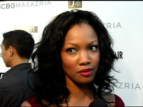 stockvideo's en b-roll-footage met garcelle beauvais on what bcbg does best is that their clothes are simple and affordable what she likes in clothes on the new show she's doing for... - bcbg max azria