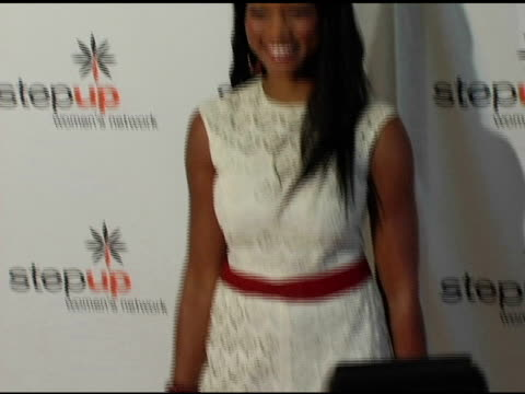 stockvideo's en b-roll-footage met garcelle beauvaisnilon at the step up women's network inspiration awards luncheon at the beverly hilton in beverly hills california on april 22 2005 - women's image network awards