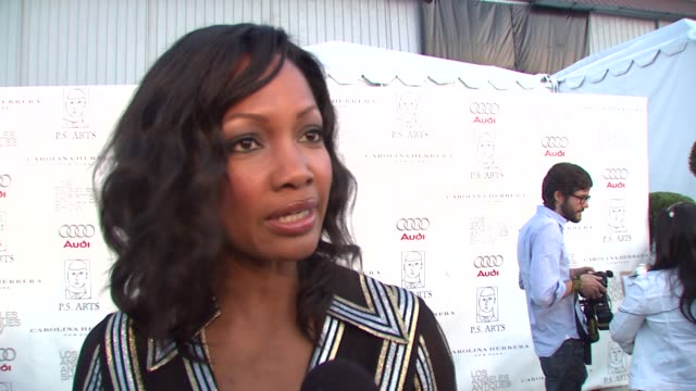 vídeos de stock, filmes e b-roll de garcelle beauvaisnilon on attending tonight's event on if she's a fan on antiques and if so if she'll be doing any shopping and on her reaction to... - rainha de beleza