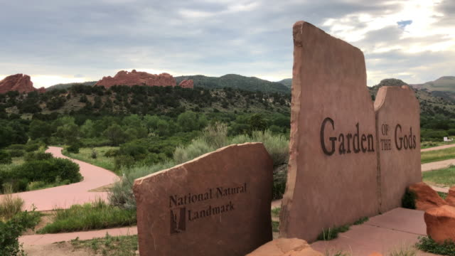 garden of the gods at sunset. it is a national natural landmark in colorado, america, amid the 2020 global coronavirus pandemic - red rocks stock videos & royalty-free footage