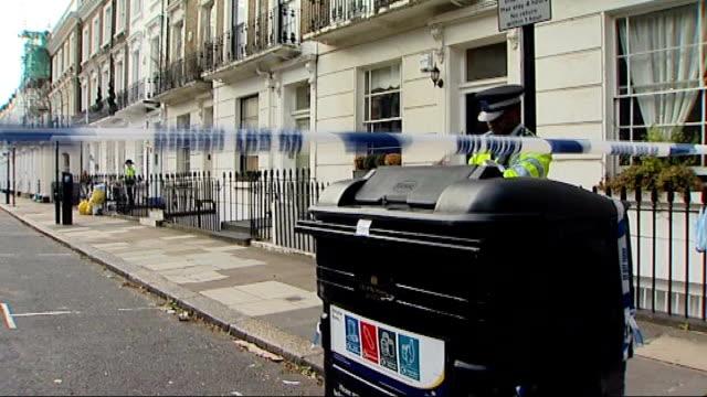 gareth williams death inquest: spy had previously been found tied to bed / mi6 supervisor evidence; date unknown pimlico: ext police cordon outside... - mi6点の映像素材/bロール