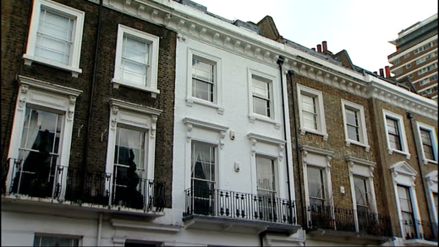 gareth williams death inquest: spy had previously been found tied to bed / mi6 supervisor evidence; pimlico: exterior of williams' flat zoom in - mi6 stock-videos und b-roll-filmmaterial