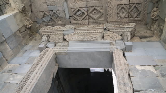 vídeos y material grabado en eventos de stock de garni, entrance of the greek temple, 3rd century b.c. - siglo iii antes de cristo